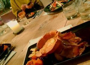 クリスマスディナー? - Lina と いっしょに、 Luka も いっしょに
