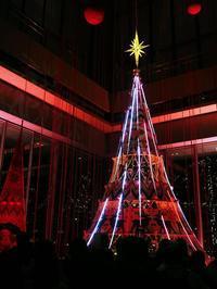 丸ビルのツリー2 - 光の音色を聞きながら Ⅳ