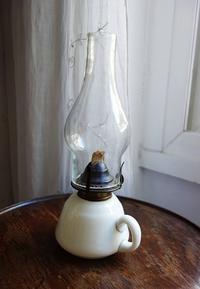 ホヤ付き白ガラスオイルランプ35 - スペイン・バルセロナ・アンティーク gyu's shop