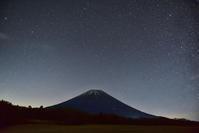 星空の富士山 - 風とこだま