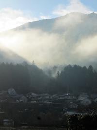 霧のかかる日はゆっくりと - 石のコトバ