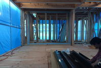サッシを現場で組み立てる - 堺建築設計事務所.blog