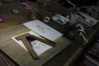 椿のランプ2面目組み作業中 - ステンドグラスルーチェの日常