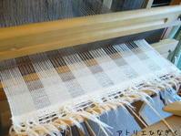 アイボリーカシミヤのマフラー - アトリエひなぎく 手織り日記