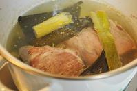12/14miyabiさんの「茹で塩豚」とダウン - 「あなたに似た花。」