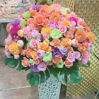 オープン祝いの装花を岸和田カンカンにお届けしました - ルーシュの花仕事