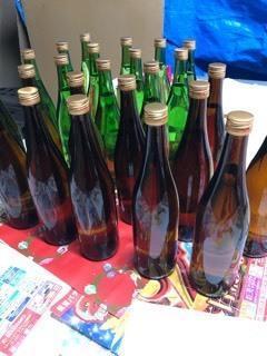 「特別純米ゴールドラベル」&「純米吟醸ブルーラベル」720mlレッテル張りなど - 日本酒biyori