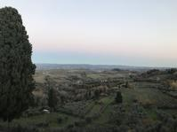 冬のサンジミ村 - フィレンツェのガイド なぎさの便り