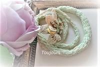 ベージュとミントグリーンのクロッシェネックレス - Bijoux  du  Bonheur ~ビジュー ドゥ ボヌール~