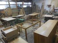 ダイニングテーブルとキッチンボードの塗装。 - 手作り家具工房の記録