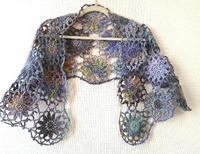 段染め糸で大きなモチーフ繋ぎショール - 空色テーブル  編み物レッスン