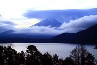 30年12月の富士(5)本栖湖のみだれ雲と富士 - 富士への散歩道 ~撮影記~