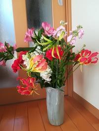 花器は花を生けてこそ。 - miitaの日記