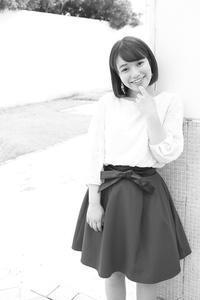花崎那奈ちゃん4 - モノクロポートレート写真館