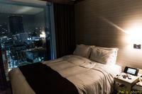 大都市のホテルの一室で孤独になる - I shall be released