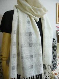 アイボリーカシミヤのマフラー織り上がり - アトリエひなぎく 手織り日記