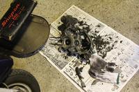割れて剥がれて男の準備 - vespa専門店 K.B.SCOOTERS ベスパの修理やらパーツやらツーリングやらあれやこれやと