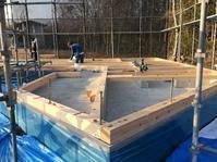 環境共生住宅太陽熱で床暖房するソーラーシステム「そよ風」の家上棟しました。静岡県駿東郡小山町用沢わさび平 - 自然素材の家造りブログ