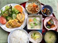 チキンピカタ★(^^♪・・・・・700円ランチ - 日だまりカフェ