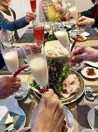 マッコリで乾杯~♪つまみはやっぱり出来立てキムチ - 今日も食べようキムチっ子クラブ (料理研究家 結城奈佳の韓国料理教室)