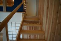手を添えたくなる階段の手摺とは? - 篤噺しー村松篤設計事務所の所長のブログ