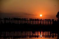 マンダレー旅行記絶景!ウーベイン橋の夕焼け - 明日はハレルヤ