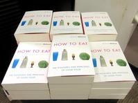 ナイジェラ・ローソンのデビュー本がペーパーバックで再登場! - イギリスの食、イギリスの料理&菓子