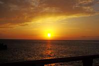 日本海の夕日そして越前ガニ - 生きる。撮る。
