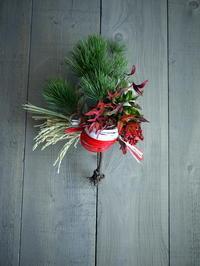 根引松のお正月飾り。「長さ40cm位。水引は赤と白で」。2018/12/27。 - 札幌 花屋 meLL flowers