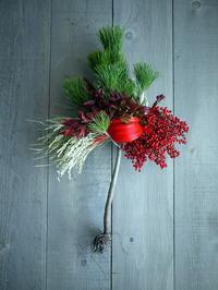 根引松のお正月飾り。南3条にお届け①。2018/12/27。 - 札幌 花屋 meLL flowers