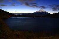 30年12月の富士(22)本栖湖の夜明けの富士 - 富士への散歩道 ~撮影記~