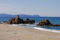 元旦の二つ岩 - Beachcomber's Logbook