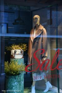 store window - Noriko's Photo  -light & shadow-