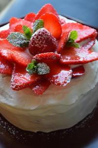 初焼きはイチゴのケーキ - ボローニャとシチリアのあいだで2