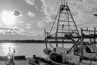 漁船と - ホンテ島 日記