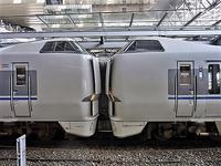 藤田八束の鉄道写真@仲の良い二人に会って嬉しいです。・・・目線で変わる車両の可愛さ、連結部分の可愛さ - 藤田八束の日記