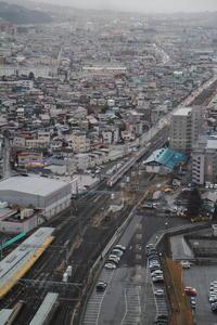 山形の見張り台 - 新幹線の写真