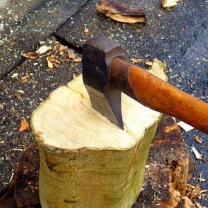 薪割り -