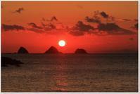 新しい年の三つ畑田島の夕日 - ハチミツの海を渡る風の音