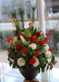 お正月のお花・納品は本日が最終でした - ルーシュの花仕事