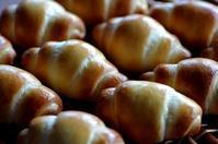 バターロールと七草粥の効果 - 森の中でパンを楽しむ