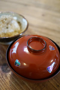 年末年始の目福口腹SANS SOUCIのお正月メニュー京の白味噌雑煮 - ちゅらかじとがちまやぁ