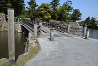 国宝天守となった松江城を歩く。その5「内堀~塩見縄手~三ノ丸」 - 坂の上のサインボード