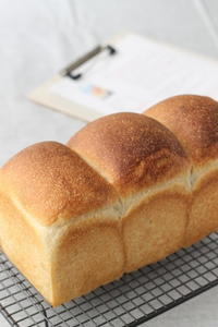 パンを焼く、そして考えるooo - launa パンとお菓子と日々のこと