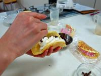 サーラでオムレツケーキ作り - 美味しい贈り物