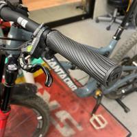 ONOFFグリップの在庫の補充する予定です。 - 東京都世田谷 マウンテンバイク&BMXの小川輪業日記