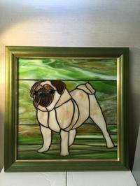 パグ犬のパネル - Glass in