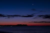 第888回  夜明けの月 - 湘南群青 -The sunset  blue -