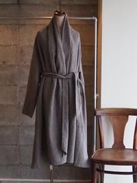 西日本豪雨災害で再確認した「ウール」の魅力を伝えたい!ローブコートが入荷しました - UTOKU Backyard