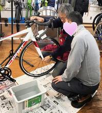 タイヤ交換・パンク修理の講習会終了致しました♪ - 秀岳荘自転車売り場だより